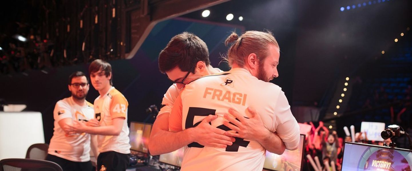 Philadelphia_Fusion_celebrate_after_match_win[1]