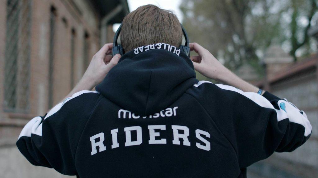Así es la colección de Movistar Riders para Pull&Bear
