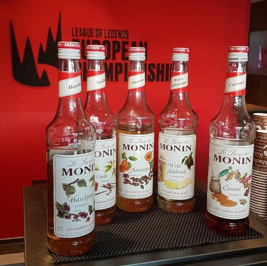 Los licores y las bebidas edulcoradas también hacen acto de presencia en la cantina de la LEC