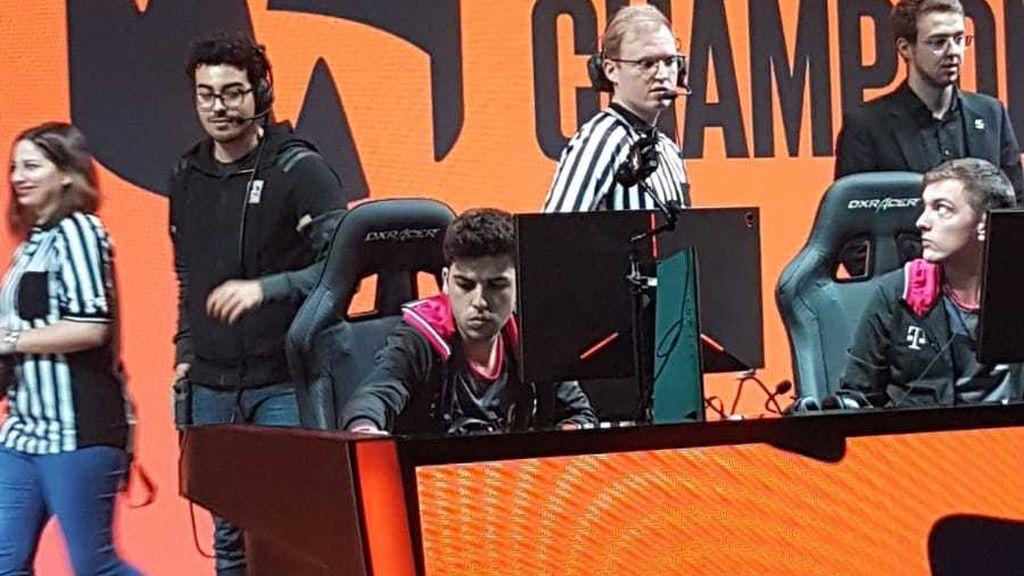 Werlyb, concentrado antes de su primer partido con SK Gaming