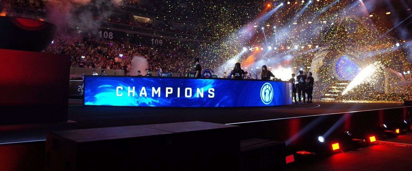 Invictus Gaming venció en la final a JD Gaming